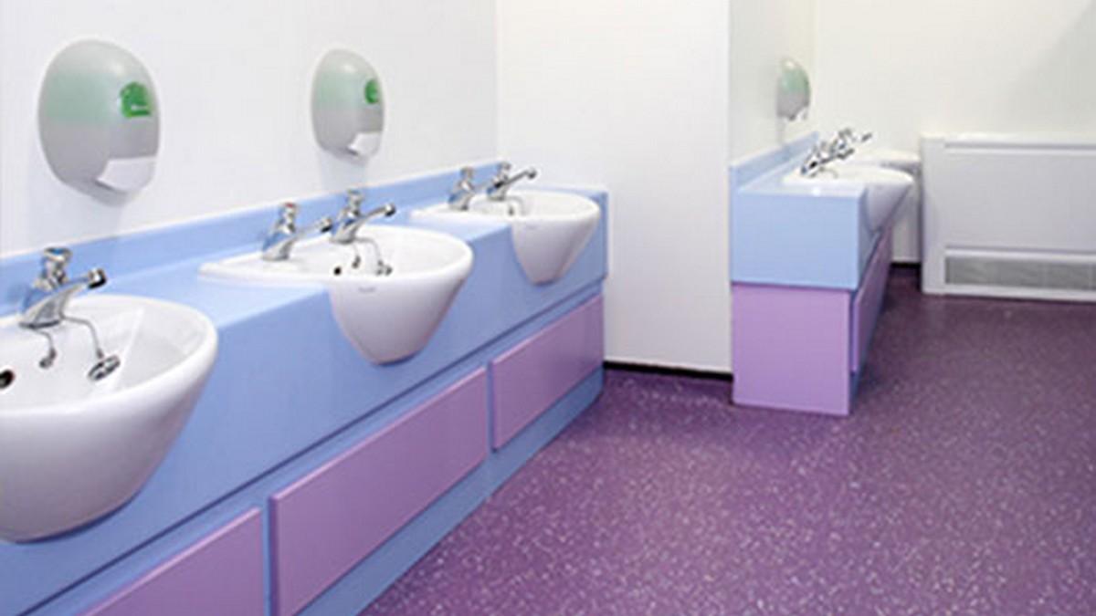 Средства для санитарных помещений (сантехника, полы, стены)